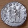 Macrin Denier + 217 Rome FIDES MILITVM